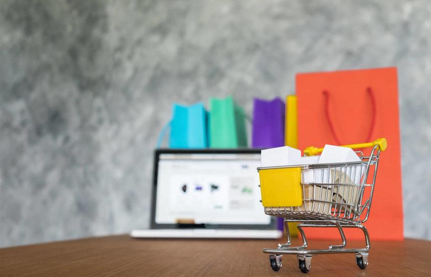 54-ФЗ и электронная коммерция: информация, подлежащая передаче покупателю и в налоговую службу
